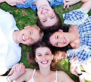 Dedicatorias de amistad, hermosas frases de amistad, compartir palabras de amistad, texto de amistad, mensajes gratis de amistad, pensamientos de amistad, sms de amistad, tweet de amistad, publicar en Facebook frases de amistad