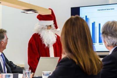 Bellas frases corporativas de Navidad con imágenes
