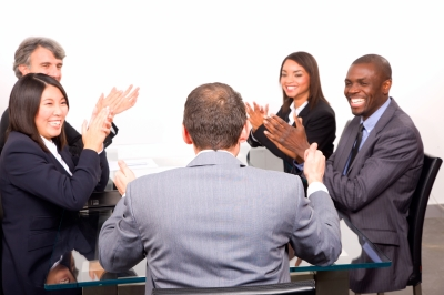 Nuevas frases para saludar a un trabajador de tu empresa con imágenes