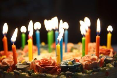 magnificas felicitaciones por cumpleaños