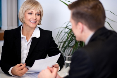 Ejemplos gratis de preguntas y respuestas claves para entrevista laboral, consejos para responder a preguntas claves en entrevista laboral, recomendaciones para responder a preguntas claves en entrevista laboral, preguntas y respuestas mas habituales en primera entrevista de empleo