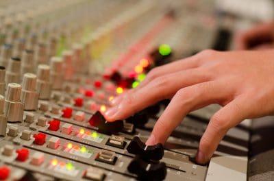 top 5 de las mejores radios online colombianas, lista de las mejores radios online colombianas