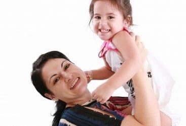 enviar mensajes por el Día de la Madre para una amiga, bajar lindas frases por el Día de la Madre para una amiga